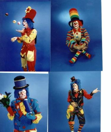 Clown Flappy juggling and performing magic
